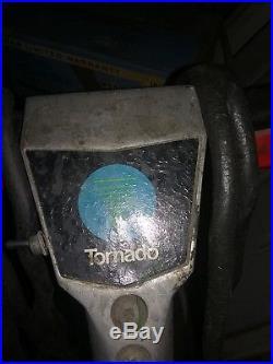 Tornado Floor Buffer, 19 pads