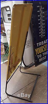 Vintage Floor Polisher Pads Housewife Vintage Advertising Sign Store Display